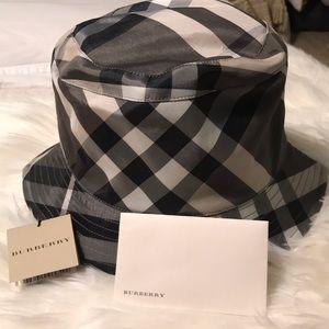 Burberry Charcoal Print Bucket Hat! BRAND NEW!!